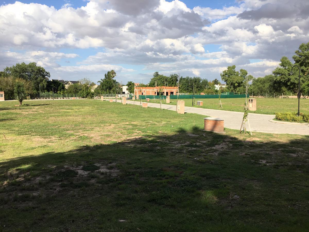 Foto Barrio Privado en Los Miradores 2 33 Orientales al 1000 número 2