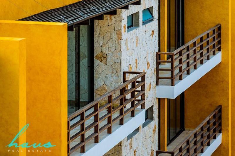 Foto Edificio en Solidaridad Av 38 esq. Av 20 número 48