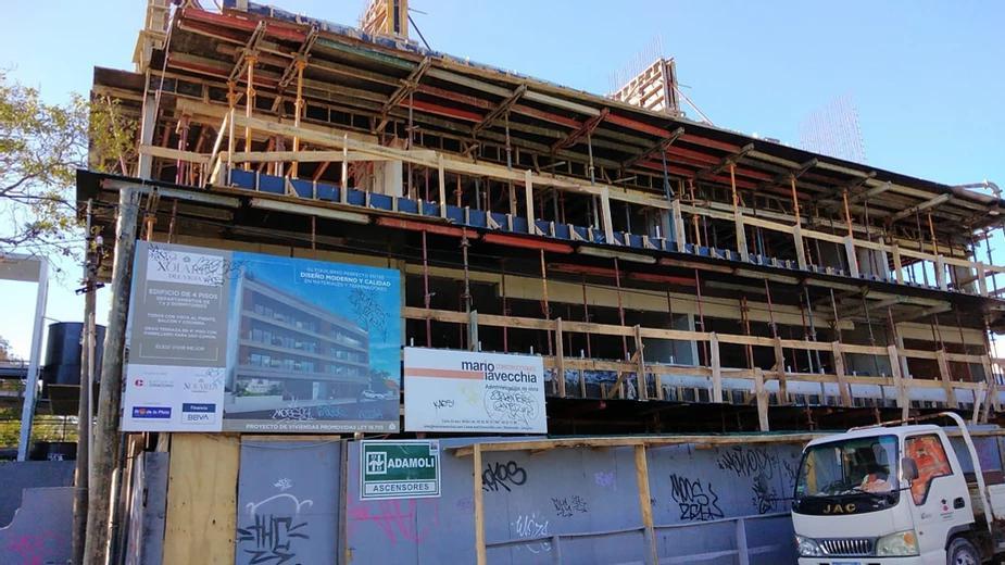 Foto Edificio en Maldonado             Arturo Santana 882 y Zelmar Michelini           número 3