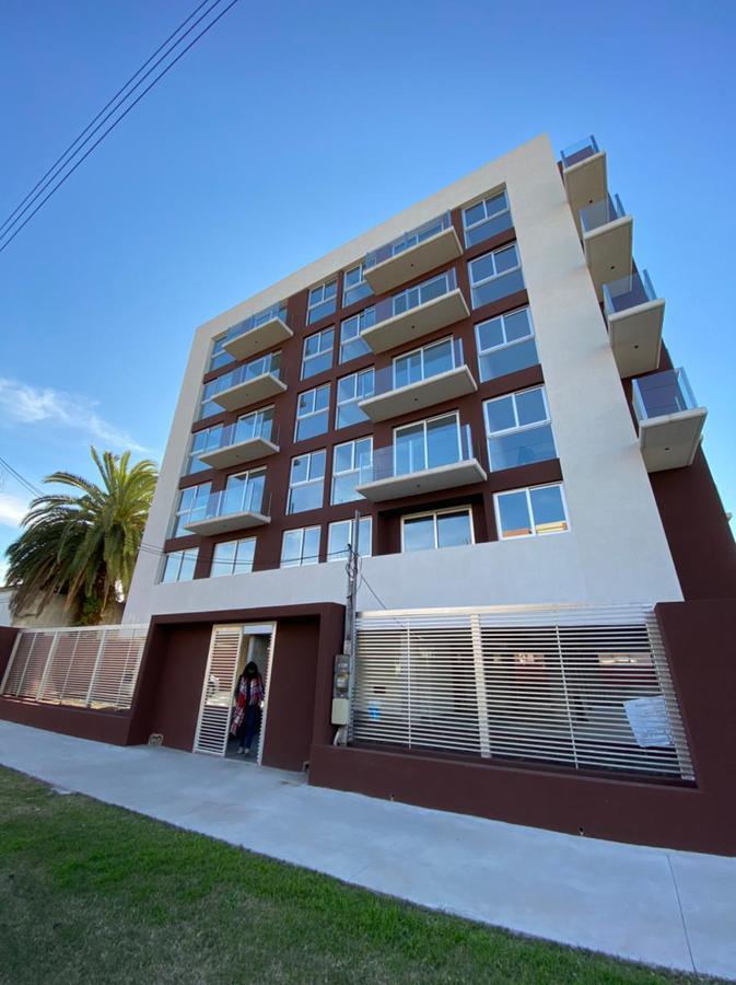 Foto EMPRENDIMIENTO - Edificio en  en  G.B.A. Zona Oeste , Argentina  Lavalle 500