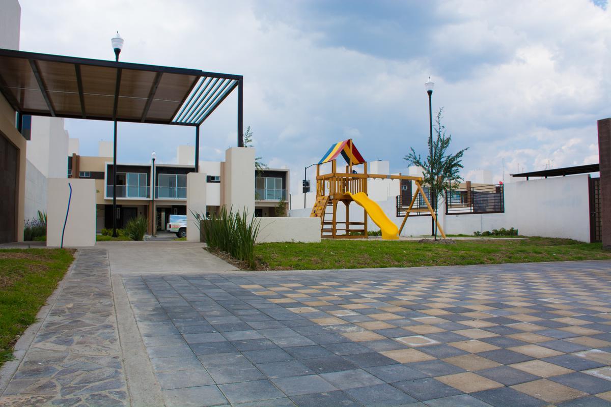 Foto Condominio en San Nicolás Tolentino Casas Nuevas con Rapida Salida a CDMX número 3