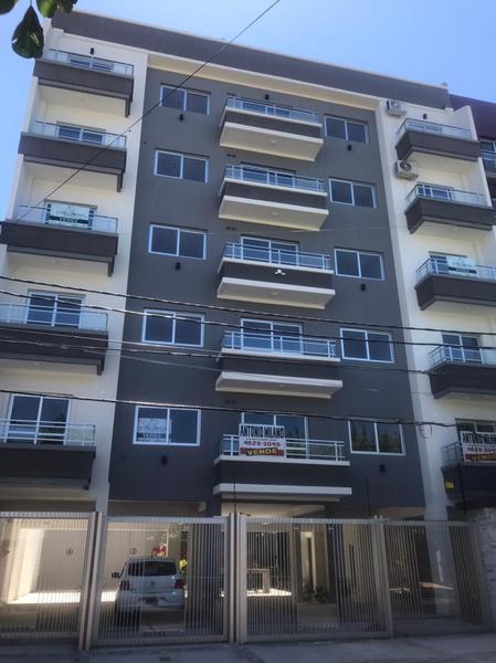 Foto Edificio en Moron Sur Mariano Moreno 900 número 1