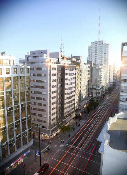 Foto Edificio en Cordón Avda. 18 de Julio y Tacuarembo número 8