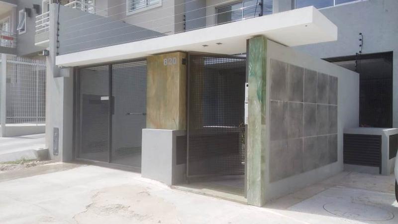 Foto Edificio en Moron Santa Fe 820, Morón número 2