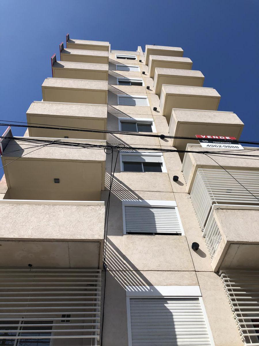 Foto Edificio en Flores Av.  Alberdi 2934           número 3