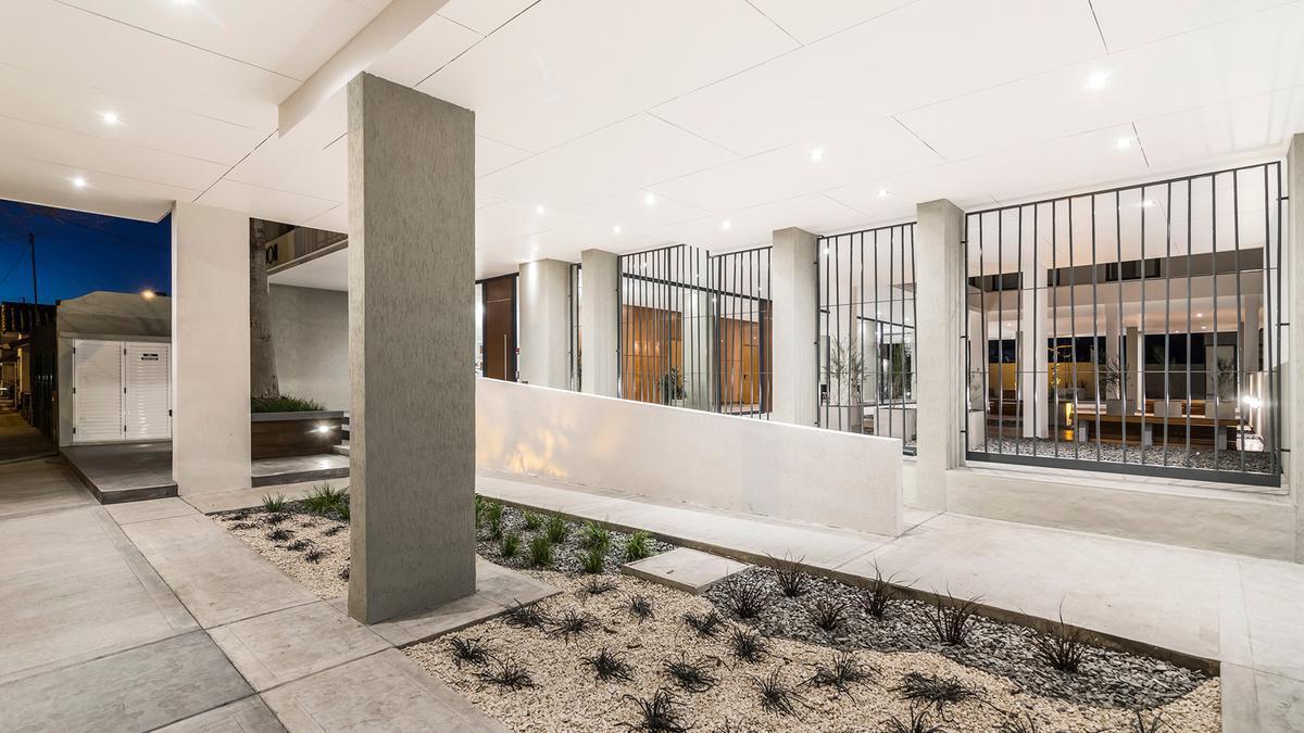 Foto Edificio en La Perla Norte FRENCH 3800 número 18
