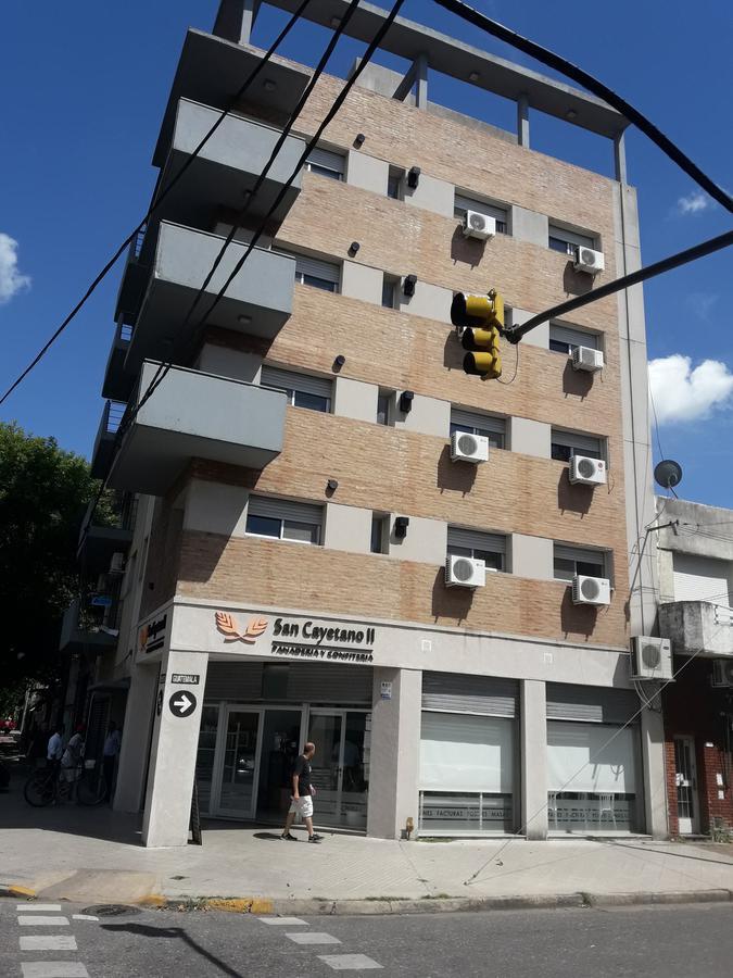 Foto Edificio en Belgrano MENDOZA Y GUATEMALA número 1