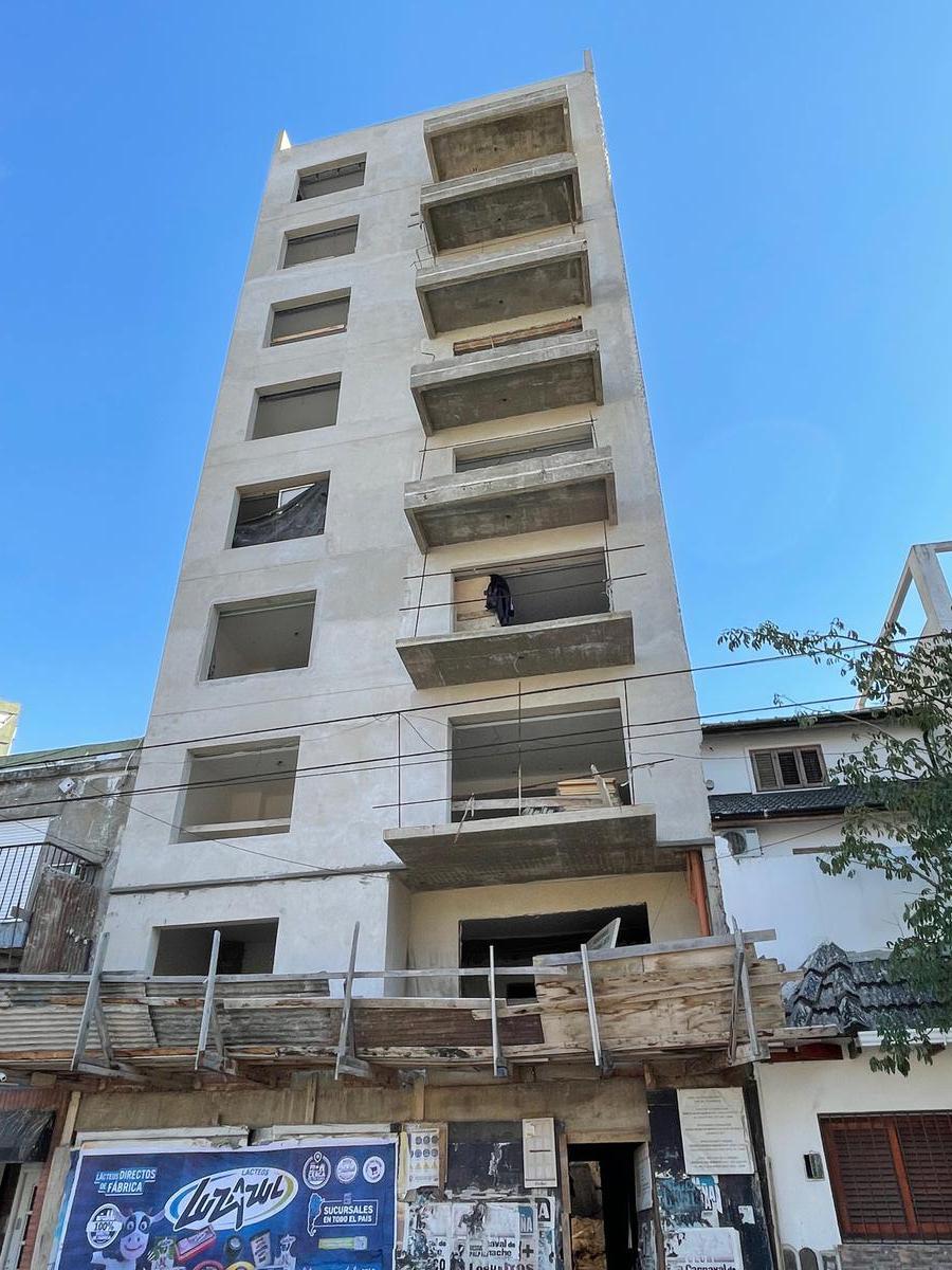 Foto Edificio en Parque Patricios Av. Chiclana 3075 número 1