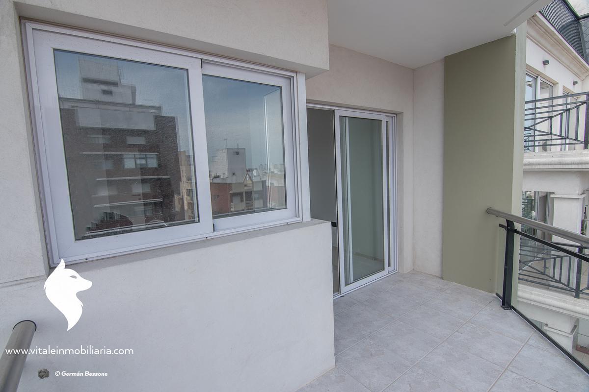 Foto Edificio en La Perla Sur Independencia 1000 número 12