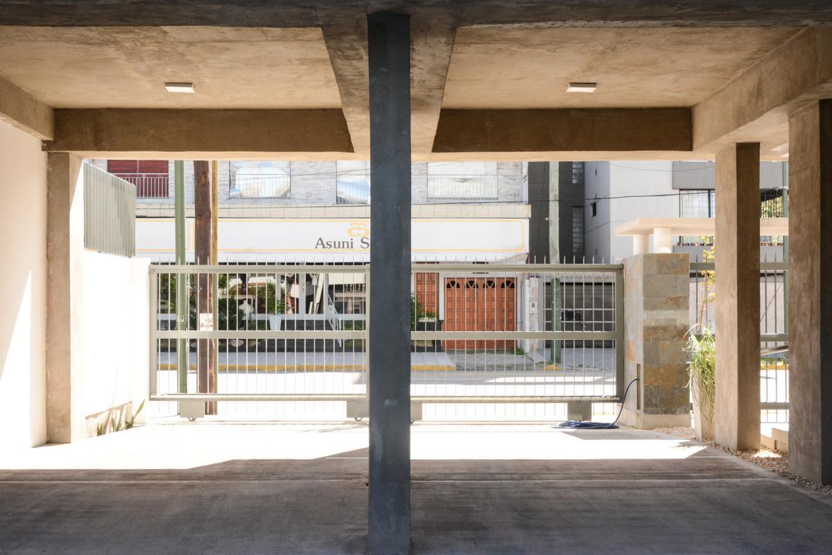 Foto Departamento en Venta en  Banfield Este,  Banfield  Alsina 304