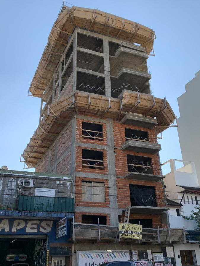 Foto Edificio en Parque Patricios Av. Chiclana 3075 número 6