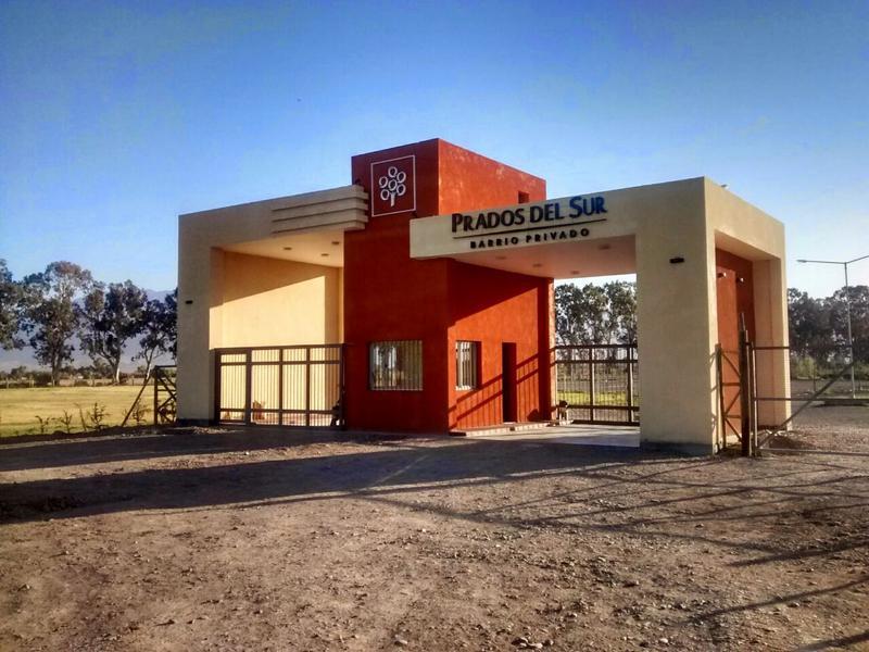 Foto unidad Terreno en Venta en  Pocito,  Pocito  Av Uñac (ex Mendoza),esquina calle 8