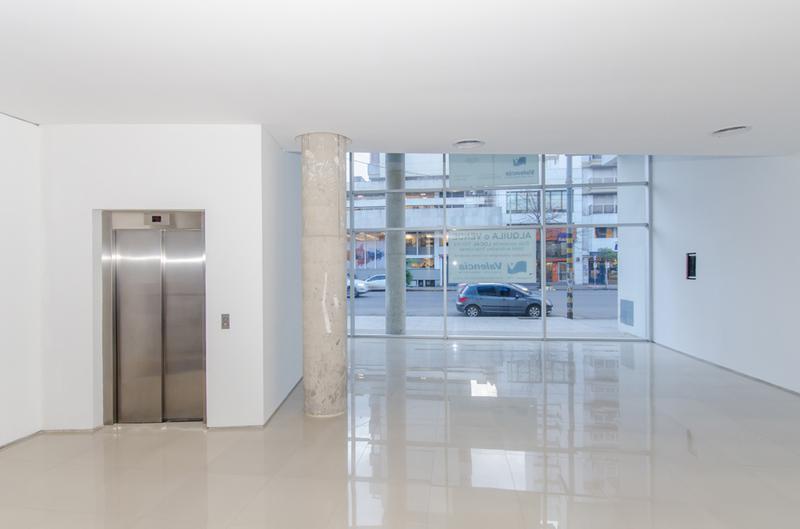 Foto Edificio de oficinas en La Perla Sur CLIPER Oficinas número 17