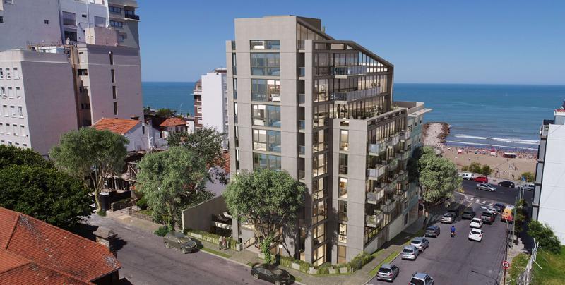 Foto Edificio en Playa Grande Peña y Aristobulo del Valle número 2