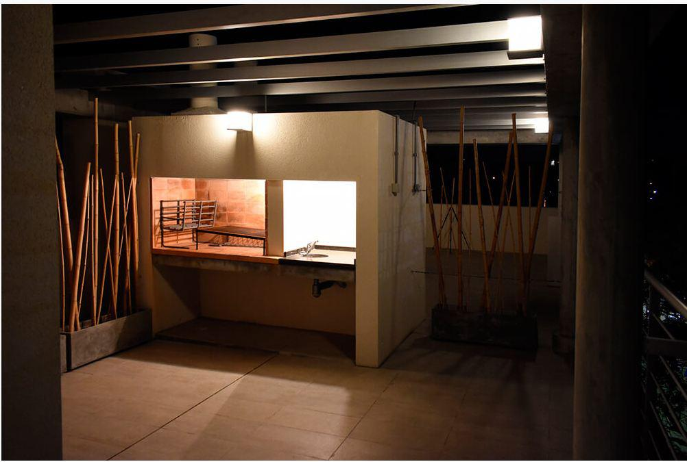 Foto Edificio en Parque Batlle             Feliciano Rodríguez y Gral Espartero número 9