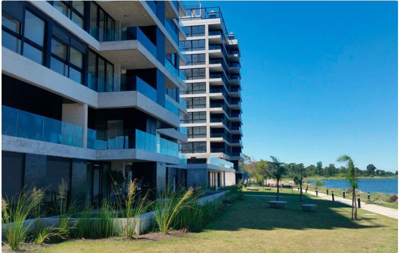 Foto Edificio en Parque Carrasco Apartamentos Premium con vista al Lago número 3