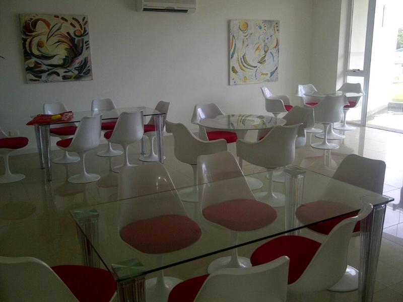 Foto Edificio en Aidy Grill Pampa entre Av. Biarritz y calle San Martin número 8