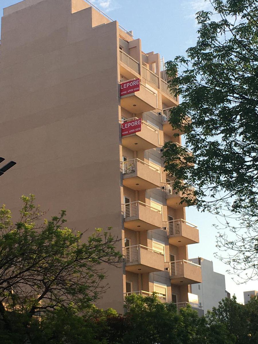 Foto Edificio en Flores Av.  Alberdi 2934           número 2