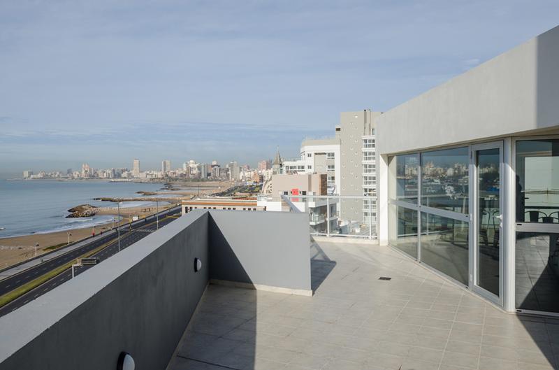 Foto Departamento en Venta en  P.Luro,  Mar Del Plata  Bvd. Maritimo Felix U. Camet y Falkner