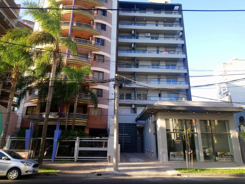 Foto  en Moron Cnel. Machado 1045