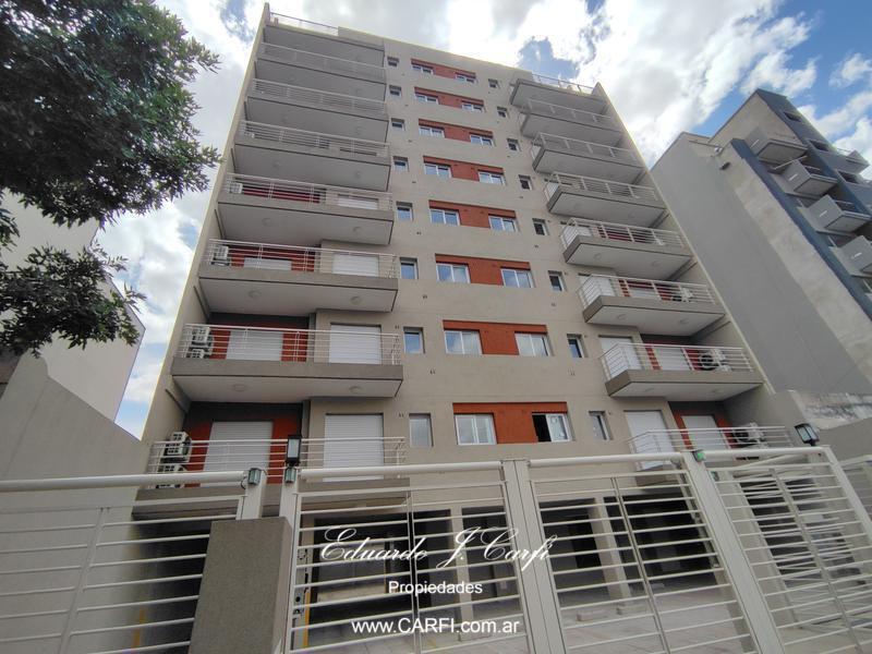Foto Edificio en Moron Sur 25 de Mayo 755, entre Santa Fe y Entre Ríos. número 2