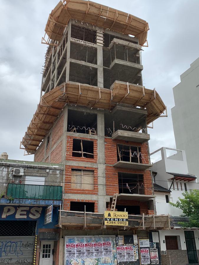 Foto Edificio en Parque Patricios Av. Chiclana 3075 número 9