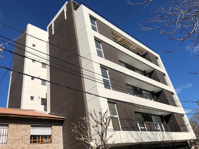 Foto Edificio en Cipolletti Uspallata 200 número 9