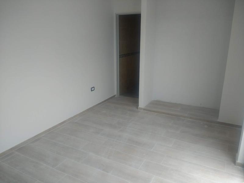 Foto Edificio en Liniers Lisandro de la Torre 104 número 7