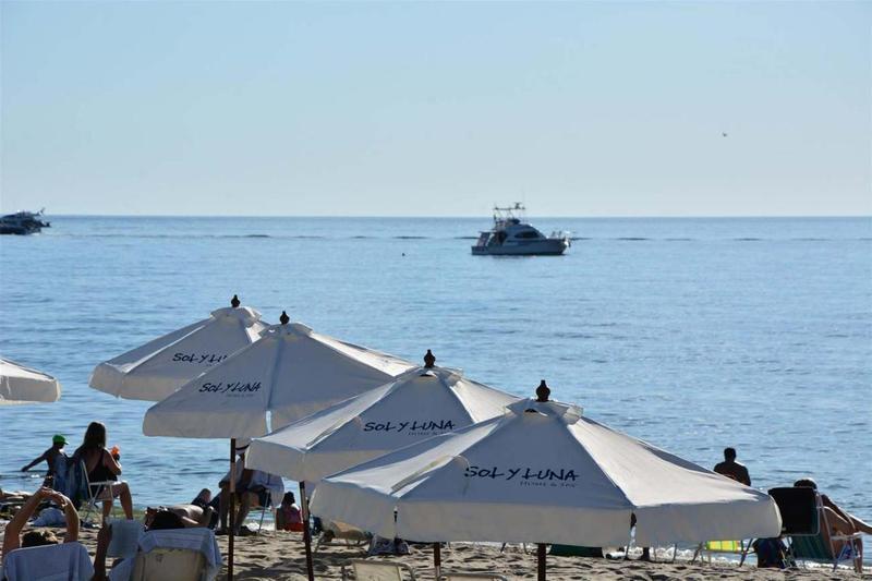 Foto Edificio en Playa Mansa Avda Chiverta número 11