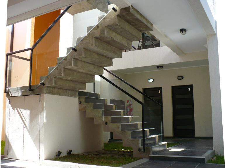 Foto Edificio en Santa Fe ESTANISLAO ZEBALLOS al 100 número 4