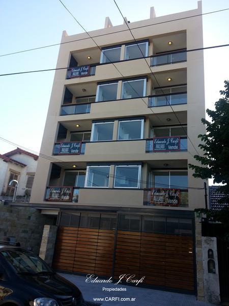 Foto Edificio en Castelar Sur Aristobulo del Valle 551 número 2