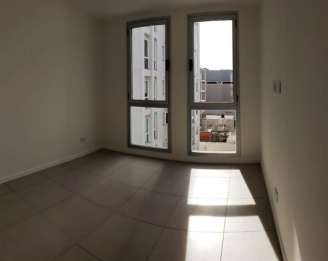 Foto Edificio en Guemes  CASTELLI 1663 número 13