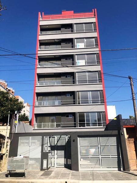Foto Edificio en Moron Norte Crisologo Larralde 1600 número 1