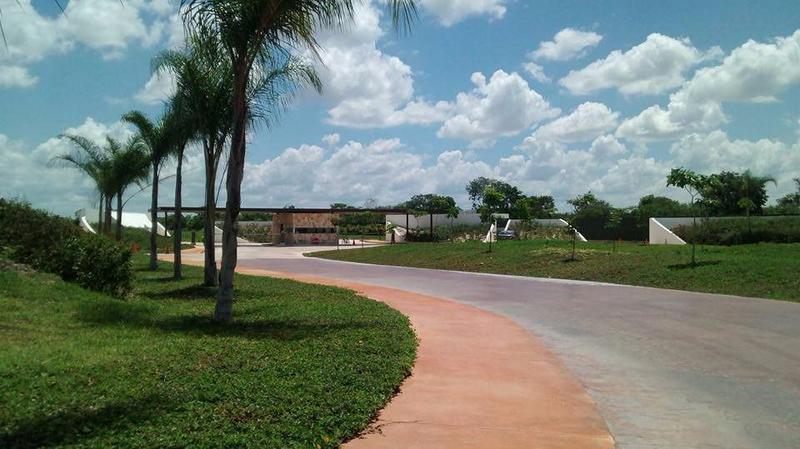 Foto Condominio en Pueblo Cholul Privada Abedules- Parque central número 3