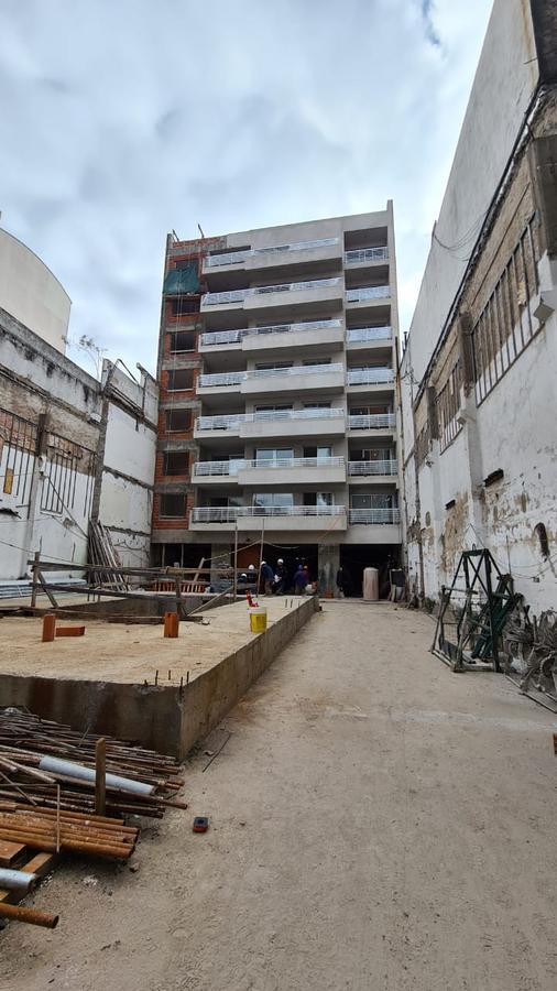 Foto Edificio en Constitución Carlos Calvo 1500 número 9