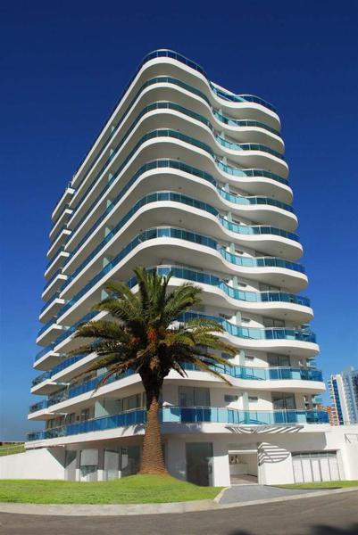 Foto Edificio en Playa Mansa Avda Chiverta número 7