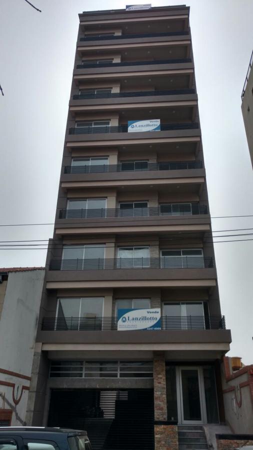 Foto Edificio en Lanús RIOBAMBA 182 numero 7