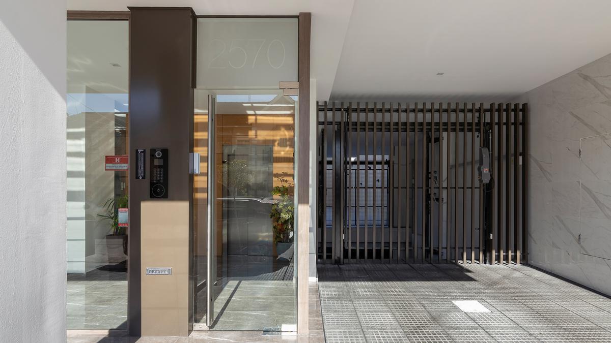 Foto Edificio en Plaza Mitre HIPOLITO YRIGOYEN 2500 número 28