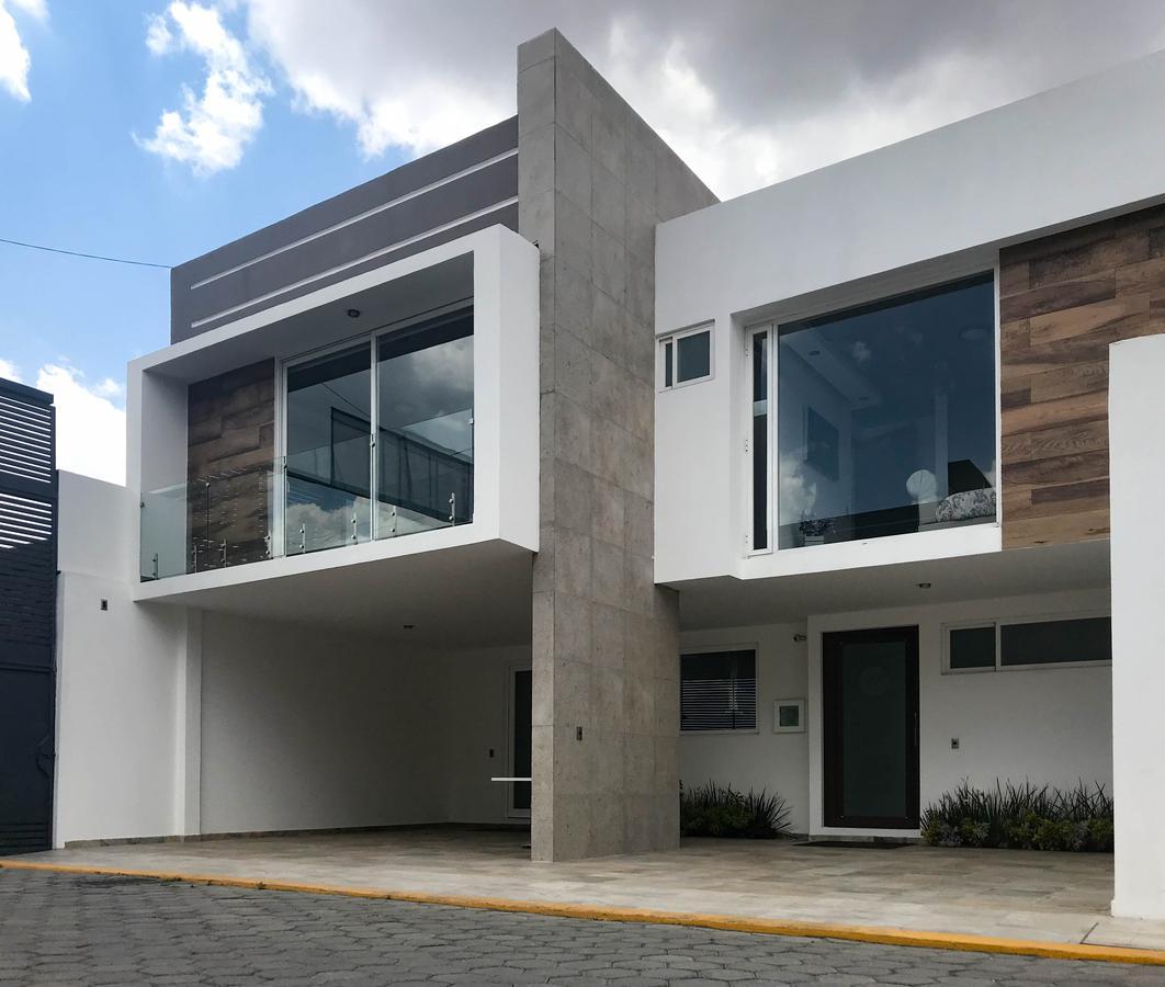 Foto  en Lázaro Cárdenas Casas nuevas en venta en Metepec 4 estacionamientos