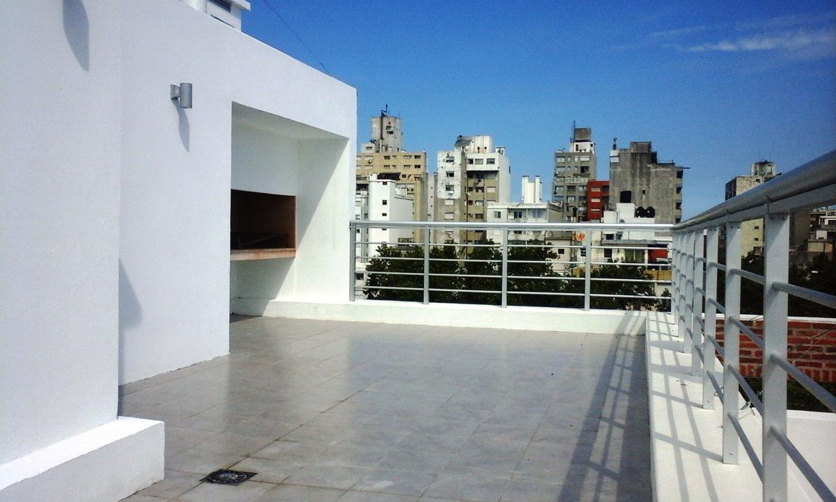 Foto Edificio en Tres Cruces Requena esquina Colonia número 9