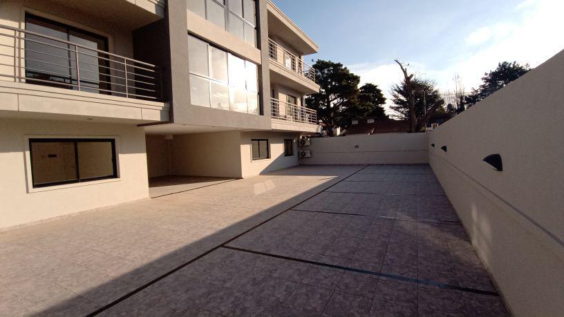 Foto Edificio en San Bernardo Del Tuyu De La Reduccion y Santiago del Estero número 17