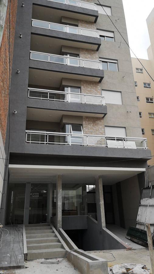 Foto Edificio en Lanús RIOBAMBA 151 numero 7