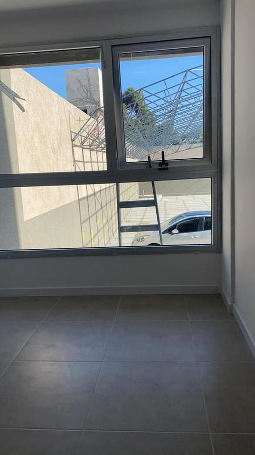 """Foto Edificio en Banfield Oeste HIPOLITO YRIGOYEN 7259 - EDIFICIO """"DOS REYES"""" número 25"""