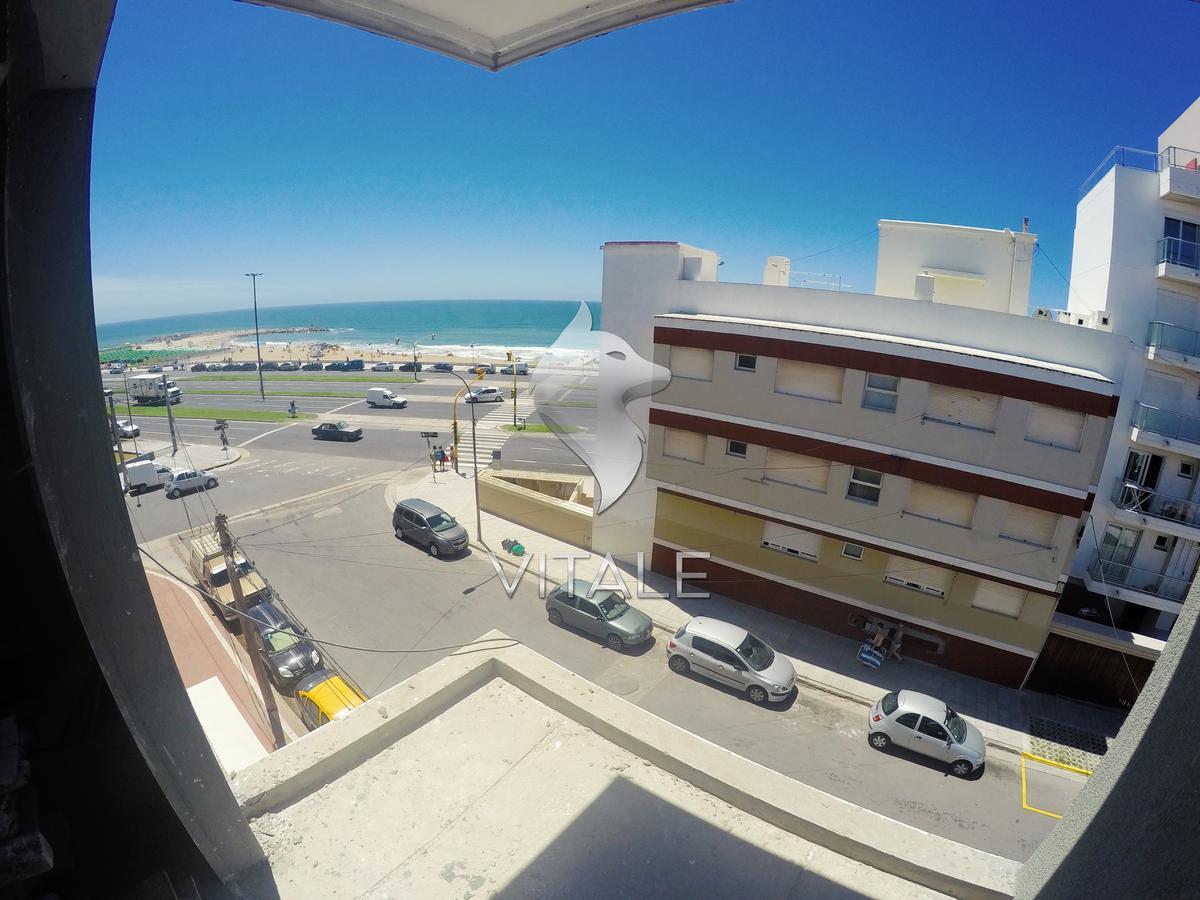 Foto Edificio en La Perla Norte Sgto. Cabral 73 número 17