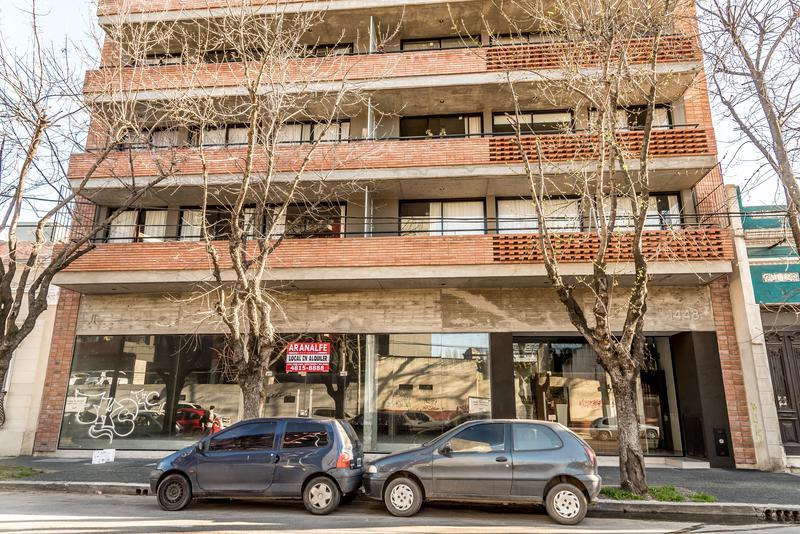 Foto Departamento en Venta en  Ciudad De Tigre,  Tigre  Italia al 1400