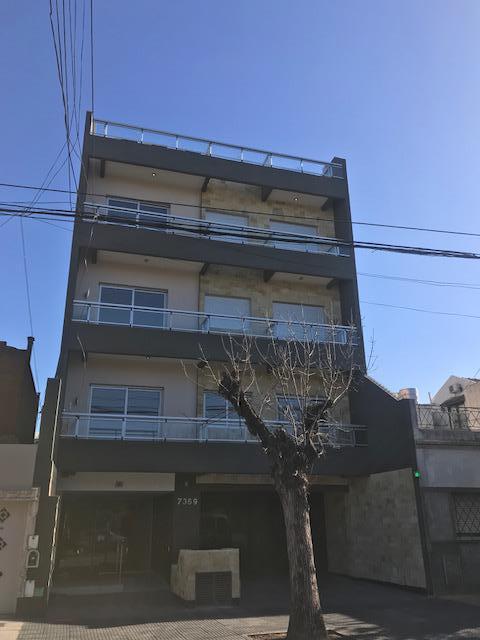 Foto Edificio en Liniers Patron 7300 número 1