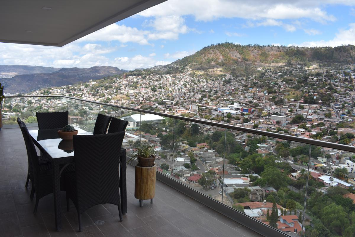 Foto Edificio en Lara Col. Lara de Tegucigalpa, 1 y 2 Ave, 4ta Calle, al costado izquierdo de la Torre Lara I Etapa, con ingreso desde la Avenida Los Próceres. número 18