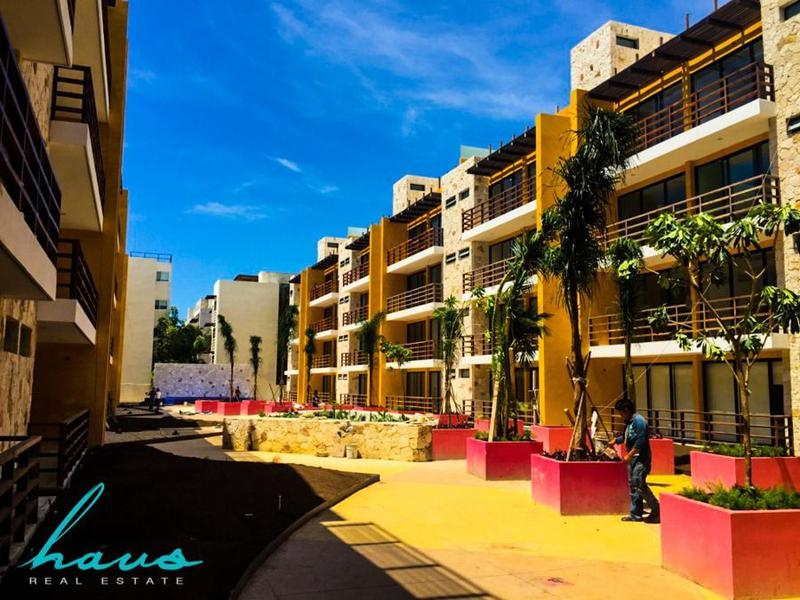 Foto Edificio en Solidaridad Av 38 esq. Av 20 número 14