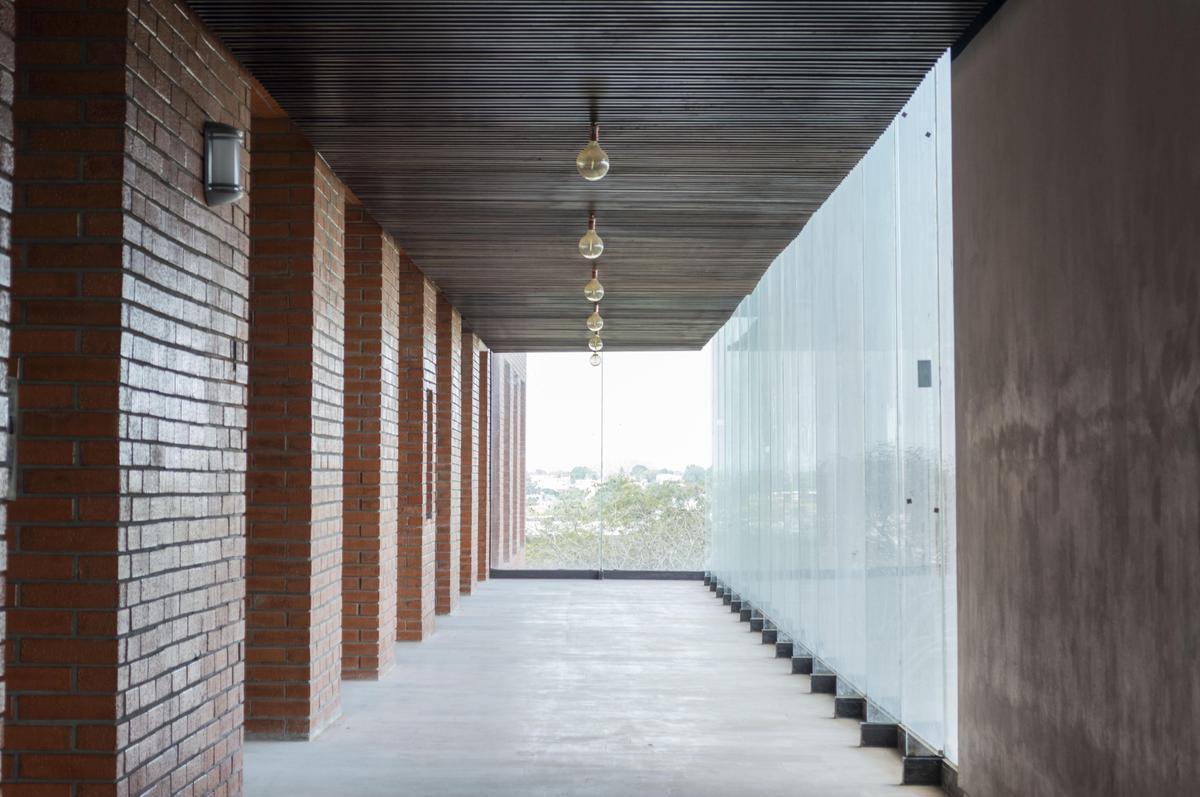 Foto Edificio en Nuevo Aeropuerto  número 5