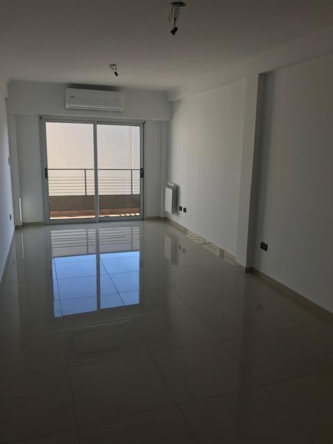 Foto Edificio en Liniers Patron 7300 número 4